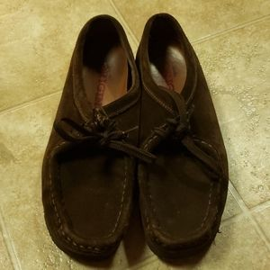 Womens chocolate brown Clark Wallabees sz 7.5M